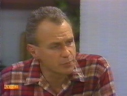 Jim Robinson in Neighbours Episode 0819
