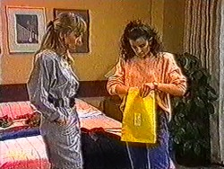 Jane Harris, Sylvie Latham in Neighbours Episode 0821