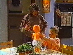 Beverly Robinson, Katie Landers in Neighbours Episode 0821