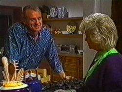 Jim Robinson, Helen Daniels in Neighbours Episode 0821