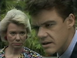 Helen Daniels, Paul Robinson in Neighbours Episode 1139