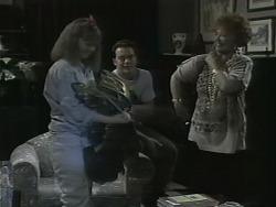 Lee Maloney, Matt Robinson, Gloria Lewis in Neighbours Episode 1140
