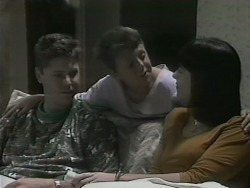 Joe Mangel, Toby Mangel, Kerry Bishop in Neighbours Episode 1140