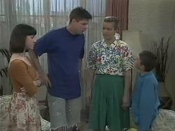 Kerry Bishop, Joe Mangel, Noelene Mangel, Toby Mangel in Neighbours Episode 1141