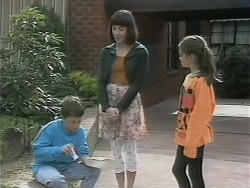 Toby Mangel, Kerry Bishop, Lochy McLachlan in Neighbours Episode 1142