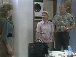 Beverly Marshall, Helen Daniels, Jim Robinson in Neighbours Episode 1143