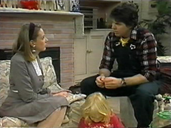 Melanie Pearson, Sky Mangel, Joe Mangel in Neighbours Episode 1331
