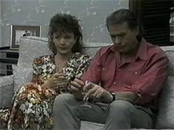 Pam Willis, Doug Willis in Neighbours Episode 1335