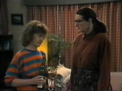 Pam Willis, Dorothy Burke in Neighbours Episode 1336