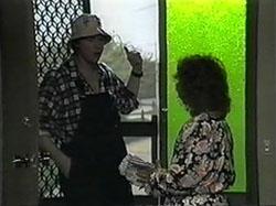 Joe Mangel, Pam Willis in Neighbours Episode 1336