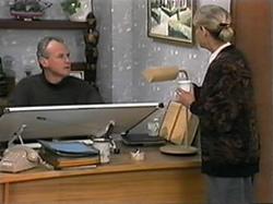 Jim Robinson, Helen Daniels in Neighbours Episode 1337