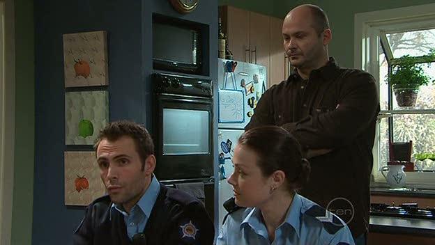 Adam Rhodes, Snr. Const. Sophie Cooper, Steve Parker in Neighbours Episode 5310