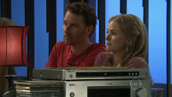 Lucas Fitzgerald, Elle Robinson in Neighbours Episode 5547
