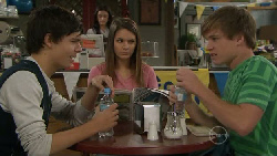 Zeke Kinski, Rachel Kinski, Ringo Brown in Neighbours Episode 5547