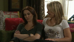Libby Kennedy, Steph Scully in Neighbours Episode 5549