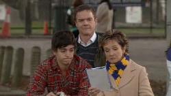 Zeke Kinski, Paul Robinson, Susan Kennedy in Neighbours Episode 5554