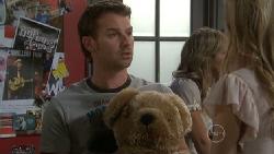 Lucas Fitzgerald, Elle Robinson in Neighbours Episode 5559