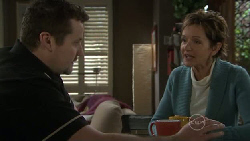 Toadie Rebecchi, Susan Kennedy in Neighbours Episode 5559