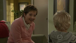 Susan Kennedy, Charlie Hoyland in Neighbours Episode 5560