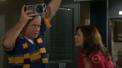 Lou Carpenter, Rebecca Napier in Neighbours Episode 5562