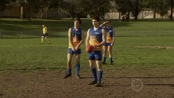 Zeke Kinski, Declan Napier in Neighbours Episode 5562