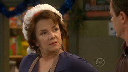 Lyn Scully, Paul Robinson in Neighbours Episode 5828