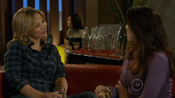Steph Scully, Libby Kennedy in Neighbours Episode 5828