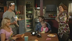 Donna Freedman, Paul Robinson, Declan Napier, India Napier, Rebecca Napier in Neighbours Episode 5866