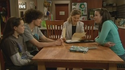 Sophie Ramsay, Harry Ramsay, Roz Challis, Kate Ramsay in Neighbours Episode 5867