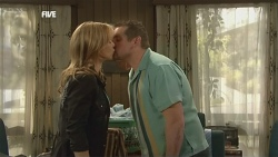 Steph Scully, Toadie Rebecchi in Neighbours Episode 5867
