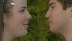 Kate Ramsay, Declan Napier in Neighbours Episode 5867