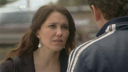 Libby Kennedy, Lucas Fitzgerald in Neighbours Episode 5868