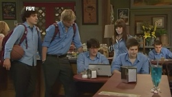Harry Ramsay, Andrew Robinson, Chris Pappas, Summer Hoyland in Neighbours Episode 5869