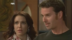Libby Kennedy, Lucas Fitzgerald in Neighbours Episode 5869