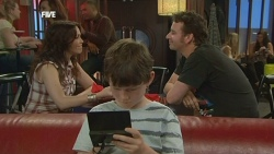 Libby Kennedy, Ben Kirk, Lucas Fitzgerald in Neighbours Episode 5869