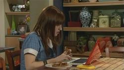 Summer Hoyland in Neighbours Episode 5870