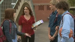 Summer Hoyland, Libby Kennedy, Andrew Robinson, Harry Ramsay in Neighbours Episode 5871