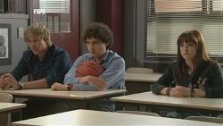 Andrew Robinson, Harry Ramsay, Summer Hoyland in Neighbours Episode 5871
