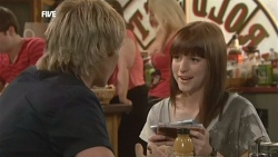 Andrew Robinson, Summer Hoyland in Neighbours Episode 5872