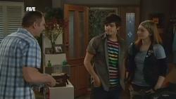 Karl Kennedy, Zeke Kinski, Mia Zannis in Neighbours Episode 5872