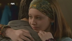 Zeke Kinski, Mia Zannis in Neighbours Episode 5872