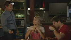 Paul Robinson, Donna Freedman, Declan Napier in Neighbours Episode 5873