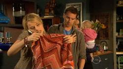 Donna Freedman, Lucas Fitzgerald in Neighbours Episode 5875
