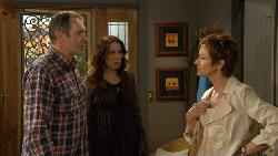 Karl Kennedy, Libby Kennedy, Susan Kennedy in Neighbours Episode 5876