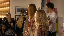 Andrea Weisberger, Mia Zannis, Donna Freedman, Zeke Kinski in Neighbours Episode 5876