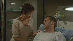 Susan Kennedy, Karl Kennedy in Neighbours Episode 5877