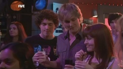 Harry Ramsay, Andrew Robinson, Summer Hoyland in Neighbours Episode 5877