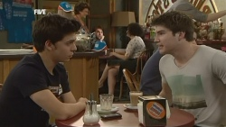 Zeke Kinski, Declan Napier in Neighbours Episode 5878