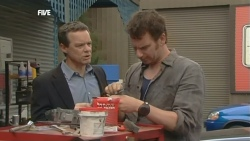 Paul Robinson, Lucas Fitzgerald in Neighbours Episode 5878
