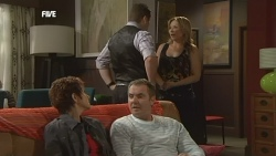 Susan Kennedy, Toadie Rebecchi, Karl Kennedy, Steph Scully in Neighbours Episode 5878